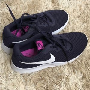 Deep purple Nike Rosche Shoes
